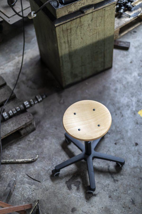 Rodachair verstelbare houten taboeret RH 160